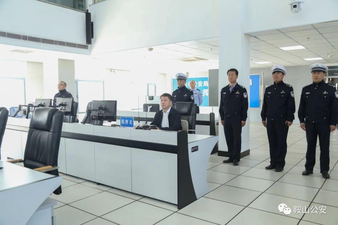 陈志刚同志实地调研督导节日期间交通管理工作